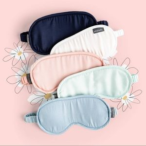 ETTITUDE Eye-mask in mint from CAUSEBOX